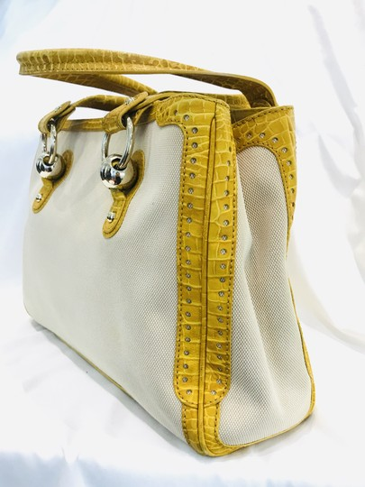 Céline Tote in yellow Image 2