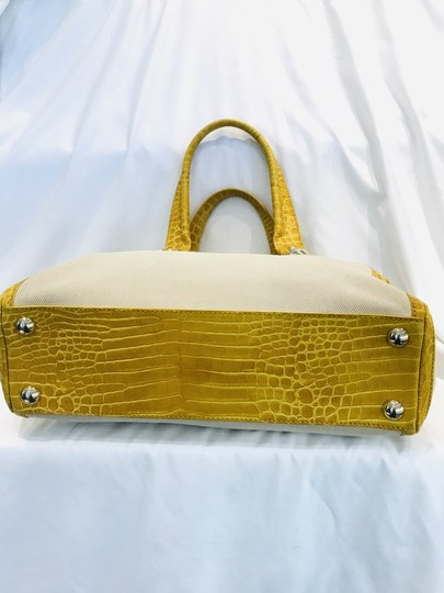 Céline Tote in yellow Image 3