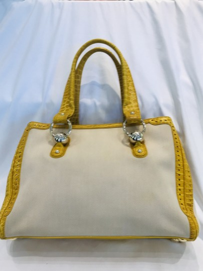 Céline Tote in yellow Image 5