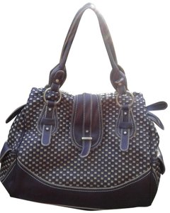 6f1dbe418e Tommy Hilfiger Bags - 70% - 90% off at Tradesy