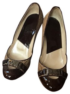 Dior Brown patent and beige cloth with Dior imprint Pumps