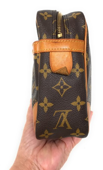 Louis Vuitton Monogram Canvas Clutches Handbags Purses Wristlet in Brown Image 5