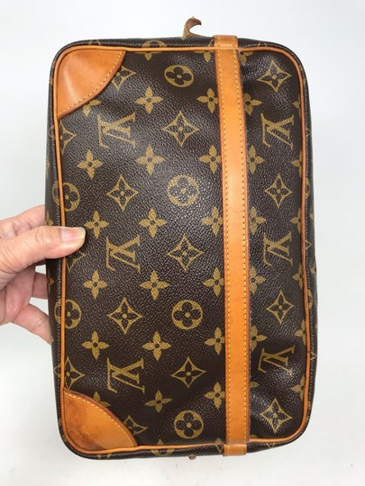 Louis Vuitton Monogram Canvas Clutches Handbags Purses Wristlet in Brown Image 7