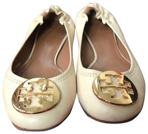 Tory Burch vanilla cream with gold logo Wedges