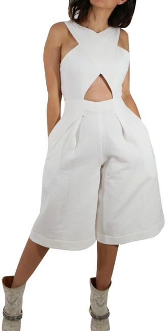 Preload https://img-static.tradesy.com/item/25523382/bcbgmaxazria-white-bcbg-max-azria-x-shape-front-cut-out-back-wide-legs-shorts-romperjumpsuit-0-1-650-650.jpg