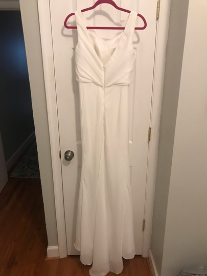 White Chiffon Pretty Long with Cowl Neck Formal Bridesmaid/Mob Dress Size 6 (S) Image 3