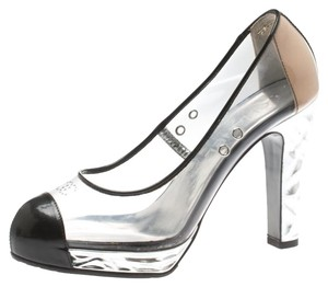 f8a96d6788 Chanel Heels & Pumps on Sale - Up to 70% off at Tradesy