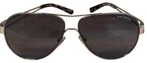 821de93df Tory Burch Sunglasses on Sale - Up to 70% off at Tradesy