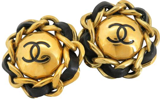 Preload https://img-static.tradesy.com/item/25526034/chanel-blackgold-cc-chain-round-ey205-earrings-0-1-540-540.jpg