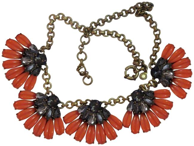 Item - Coral Resin Gray Crystal Floral Chunky Statement Necklace