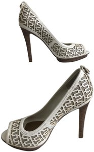 Tory Burch Off White Pumps