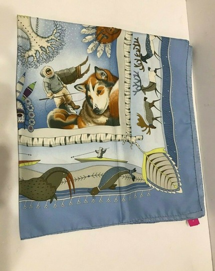 Hermès Silk Scarf Carre Dogs Blue Seals Birds Ice La Vie Du Grand Nord 90 cm Image 1
