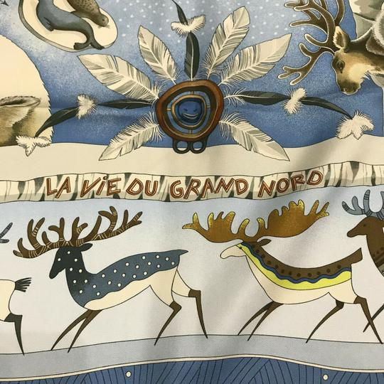 Hermès Silk Scarf Carre Dogs Blue Seals Birds Ice La Vie Du Grand Nord 90 cm Image 2