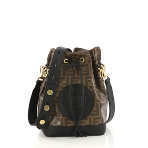0e7f06e6dc Fendi Small Shoulder Bags - Up to 70% off at Tradesy (Page 4)
