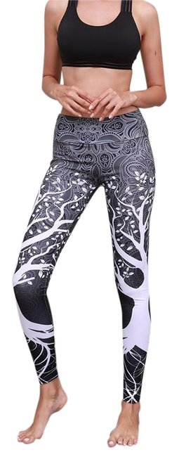 Item - Black and White & Tree Pattern Activewear Bottoms Size 6 (S, 28)