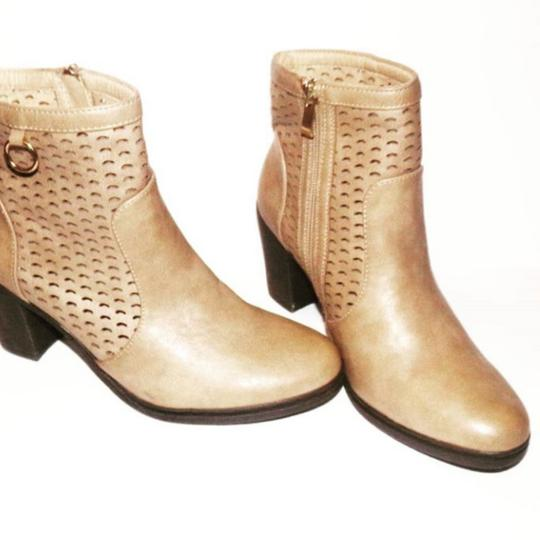 Preload https://item5.tradesy.com/images/forever-timberland-style-by-medusa-stone-enterprise-bootsbooties-size-us-75-regular-m-b-25528634-0-1.jpg?width=440&height=440