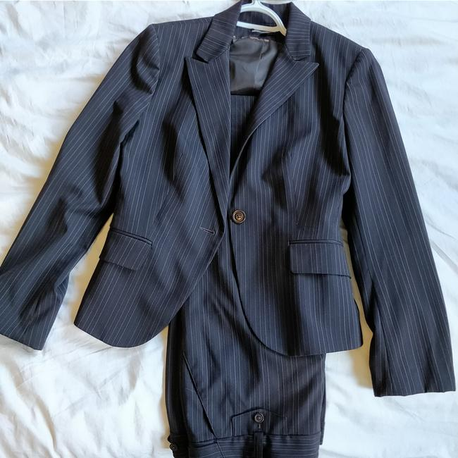 Preload https://item5.tradesy.com/images/express-editor-brown-pin-striped-pant-suit-size-4-s-25528749-0-0.jpg?width=400&height=650