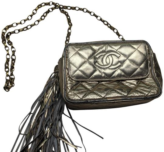 Preload https://img-static.tradesy.com/item/25528923/chanel-camera-quilted-gold-leather-cross-body-bag-0-1-540-540.jpg