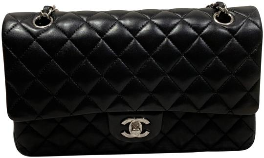 Preload https://img-static.tradesy.com/item/25529135/chanel-classic-flap-in-lambskin-leather-black-shoulder-bag-0-1-540-540.jpg