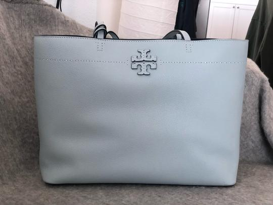 Tory Burch Tote in baby blue Image 6