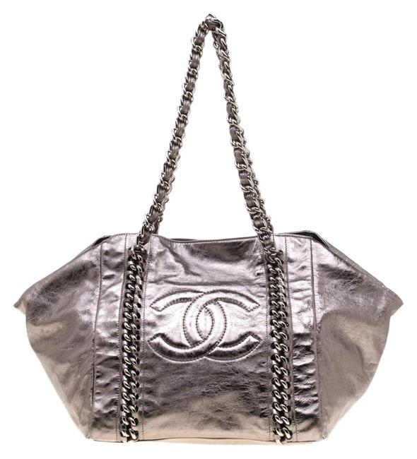 Item - Luxe Ligne Grey Patent Leather Tote