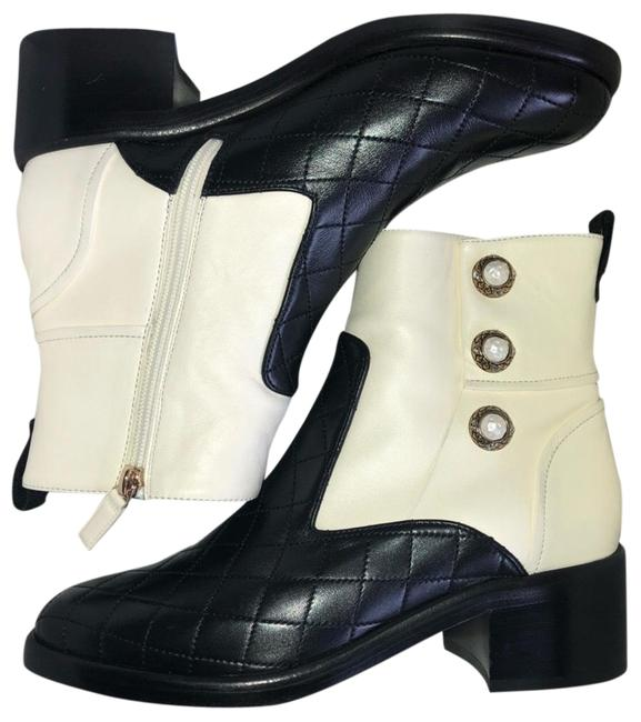 Item - Black and White Boots/Booties Size US 9.5 Regular (M, B)