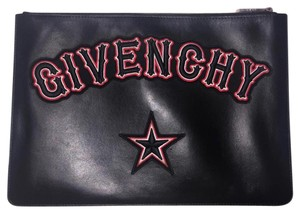 c0ace3ec82f Givenchy Clutches - Up to 70% off at Tradesy