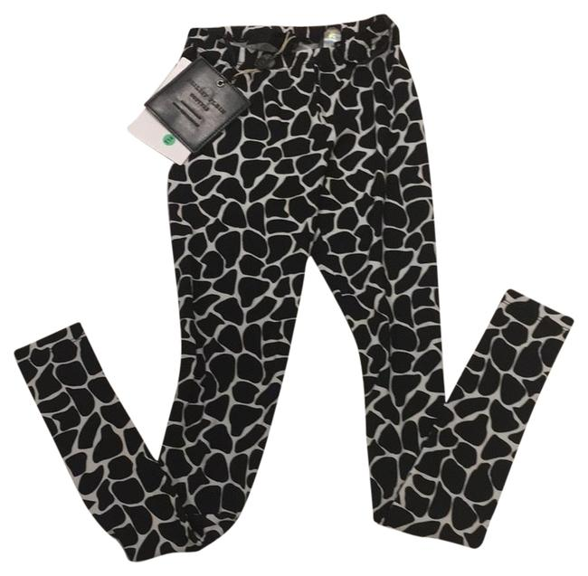 Item - Black and White Activewear Bottoms Size 6 (S)