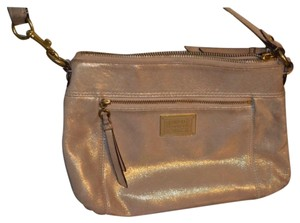 6123d328699 Gold Coach Bags - 70% - 90% off at Tradesy