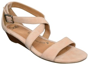 Eürosoft by Söfft Innis Ankle Strap Cushioned Beige Sandals