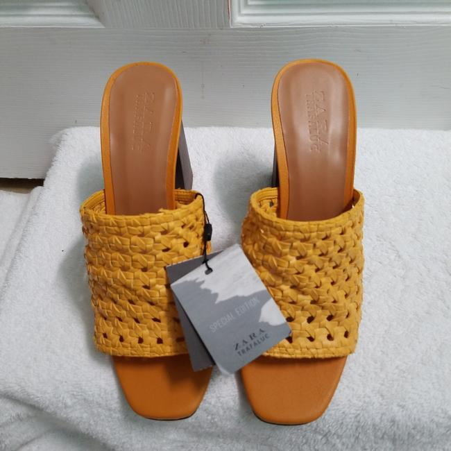 Zara Yellow Special Edition (3614) Mules/Slides Size US 6.5 Regular (M, B) Zara Yellow Special Edition (3614) Mules/Slides Size US 6.5 Regular (M, B) Image 4