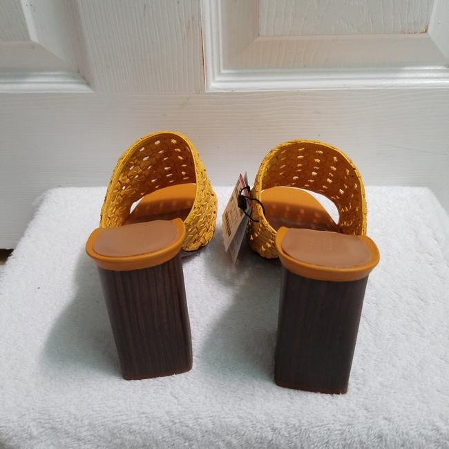 Zara Yellow Special Edition (3614) Mules/Slides Size US 6.5 Regular (M, B) Zara Yellow Special Edition (3614) Mules/Slides Size US 6.5 Regular (M, B) Image 7