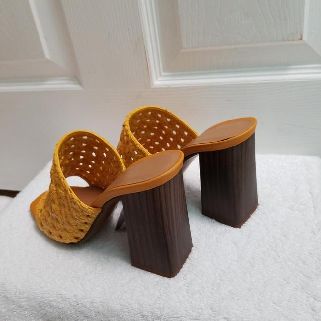 Zara Yellow Special Edition (3614) Mules/Slides Size US 6.5 Regular (M, B) Zara Yellow Special Edition (3614) Mules/Slides Size US 6.5 Regular (M, B) Image 10