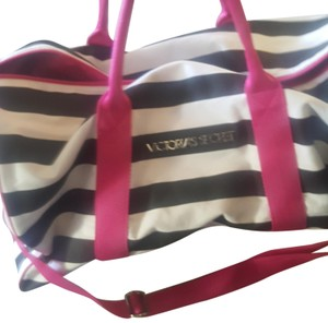 0e27bcfdd1b Get Victoria's Secret Weekend & Travel Bags for 70% Off or Less at ...
