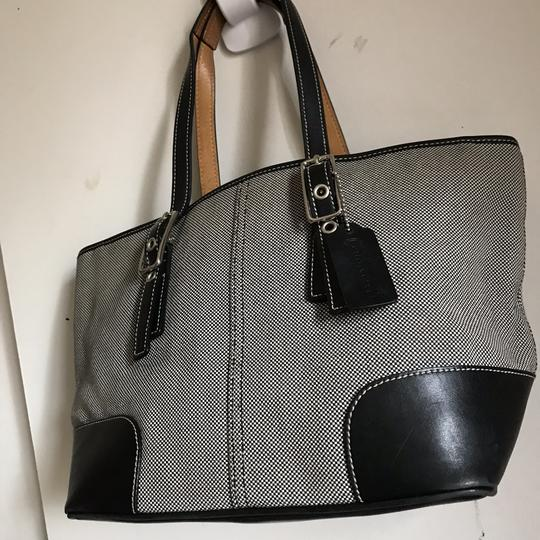 Coach Tote in Gray Image 8
