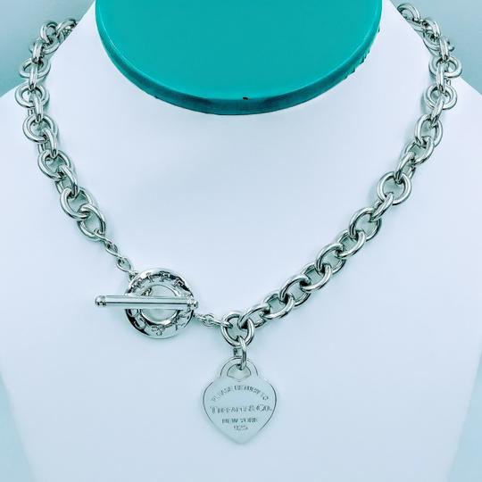 Preload https://img-static.tradesy.com/item/25533559/tiffany-and-co-18-please-return-heart-tag-toggle-sterling-silver-necklace-0-1-540-540.jpg