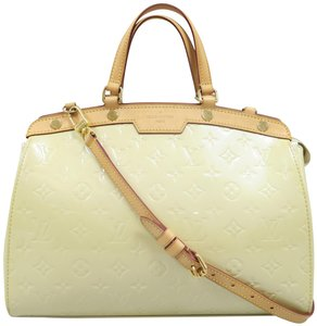 Louis Vuitton Lv Brea Mm Vernis Satchel in Perle