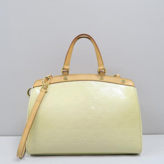 Louis Vuitton Lv Brea Mm Vernis Satchel in Perle Image 2