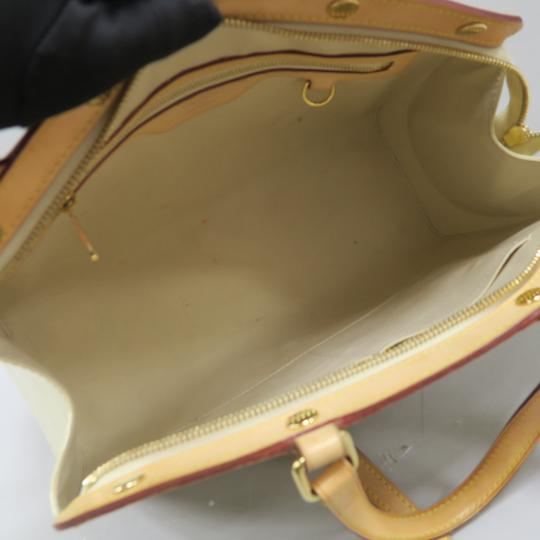Louis Vuitton Lv Brea Mm Vernis Satchel in Perle Image 8