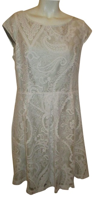 Item - Ivory & Nude Cap Sleeve Lace Short Night Out Dress Size 12 (L)