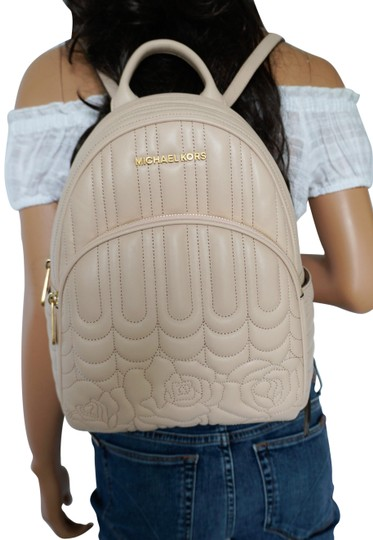 Preload https://img-static.tradesy.com/item/25537103/michael-kors-abbey-medium-rose-quilted-pink-ballet-leather-backpack-0-1-540-540.jpg