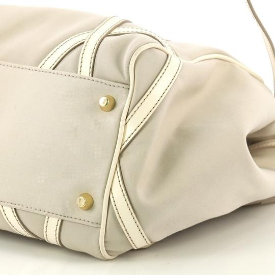 Burberry Canterbury Tote in Gray Image 4