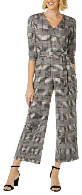 Preload https://img-static.tradesy.com/item/25537345/ny-collection-plaid-belted-romperjumpsuit-0-1-650-650.jpg