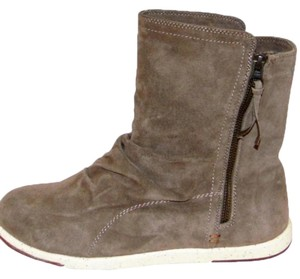new product 3b6e6 7ac94 Nike Boots   Booties Up to 90% off at Tradesy