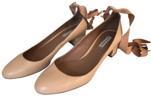 Tabitha Simmons light pink Pumps
