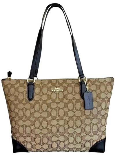Coach Tote in Khaki/brown Image 0