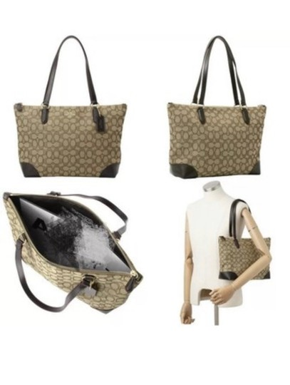 Coach Tote in Khaki/brown Image 5