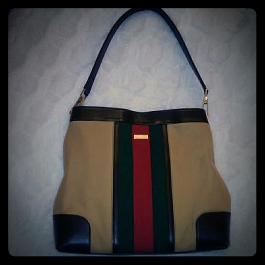 Gucci Tote in tan Image 1