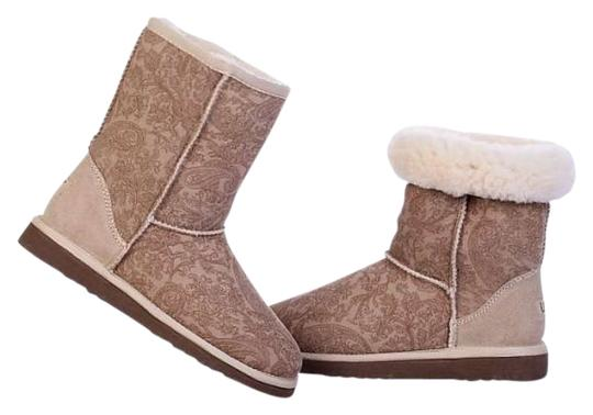 Preload https://item4.tradesy.com/images/ugg-australia-sand-bootsbooties-size-us-7-255393-0-0.jpg?width=440&height=440