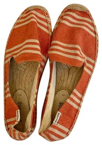 Soludos Creme, Red Flats
